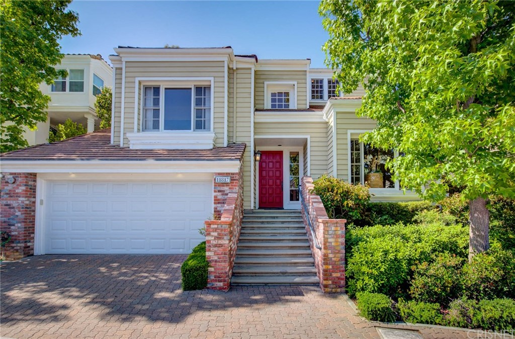 Photo of 11817 HENLEY LANE, Bel Air, CA 90077