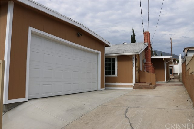 10646 Rhodesia Avenue, Sunland, CA 91040