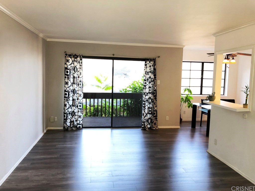 Photo of 5310 CIRCLE Drive #107, Sherman Oaks, CA 91401