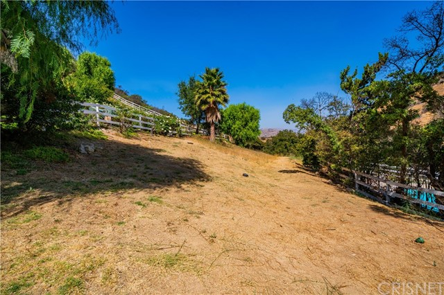 196 Dapplegray Road, Bell Canyon, CA 91307