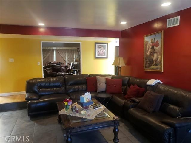 5005 Noble Avenue, Sherman Oaks, CA 91403