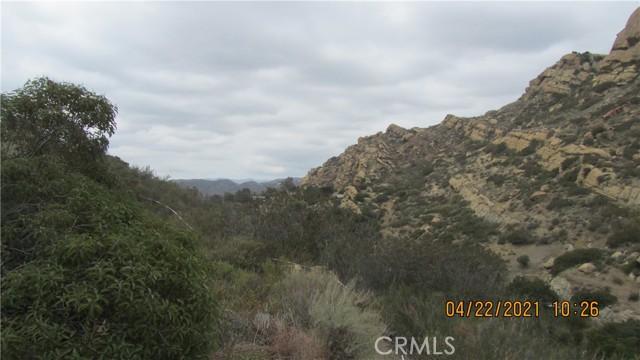 410 Box Cyn, West Hills CA: https://media.crmls.org/mediascn/274d4cc2-f531-49a9-9d43-109fb8aa2a20.jpg