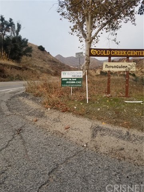 8805 Gold Creek Rd, Sylmar, CA 91342
