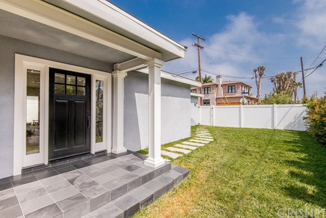 1776 Voorhees Avenue, Manhattan Beach, CA 90266