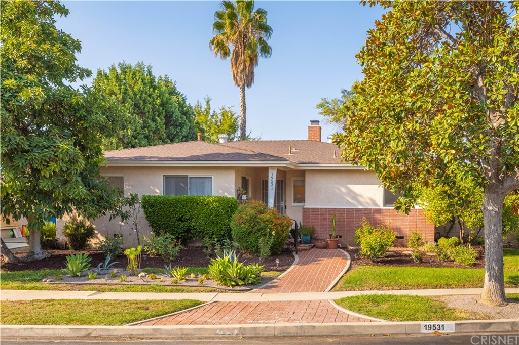 Photo of 19531 Calvert Street, Tarzana, CA 91335