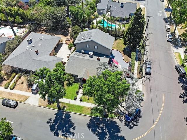 45. 5521 Van Noord Avenue Sherman Oaks, CA 91401