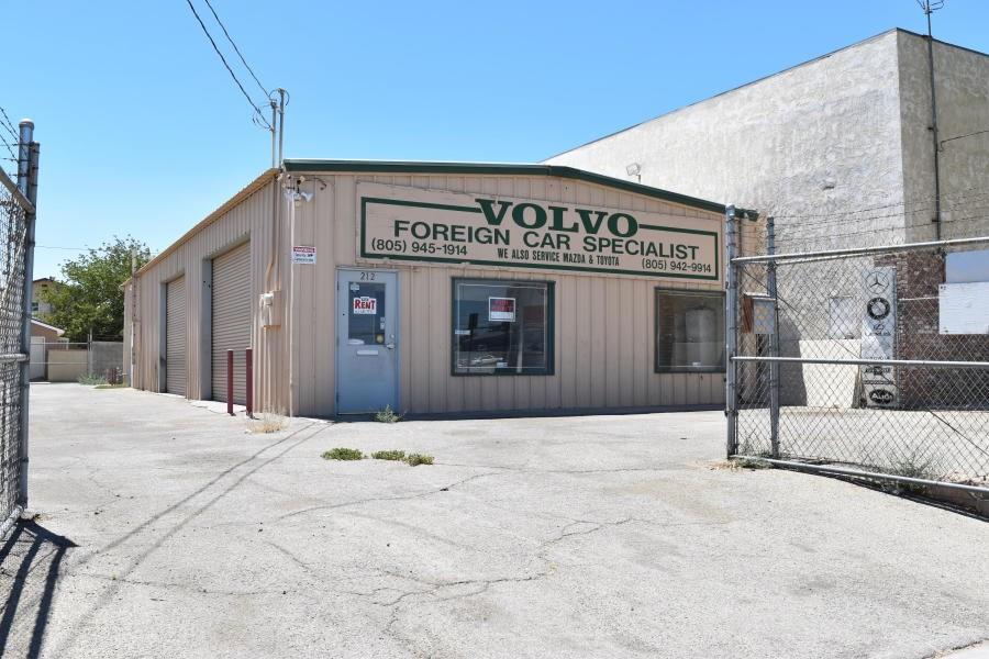 212 W Avenue I, Lancaster, CA 93534
