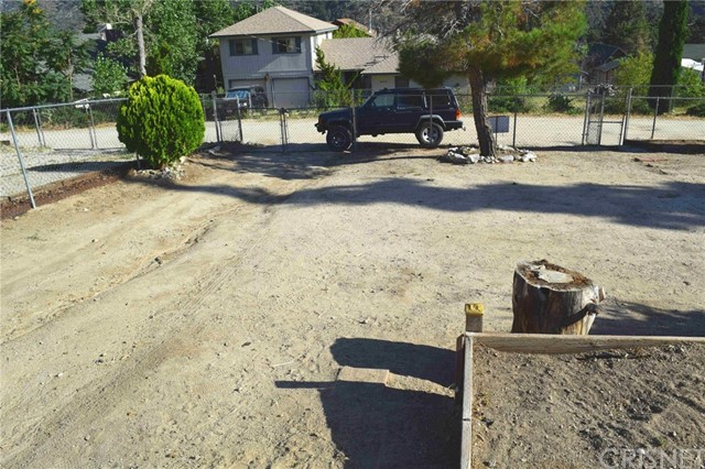 4217 N End Dr, Frazier Park, CA 93225 Photo 2
