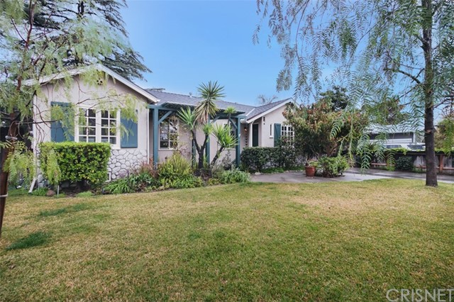 6036 Bellingham Avenue, Valley Glen, CA 91606