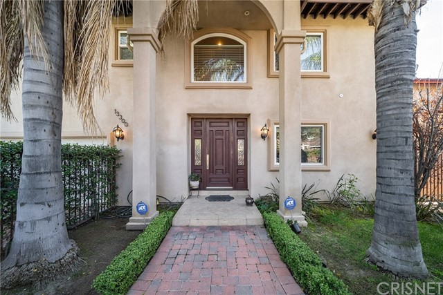 13300 Weddington Street, Sherman Oaks, CA 91401