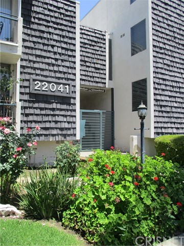 Photo of 22041 Costanso Street #201, Woodland Hills, CA 91364