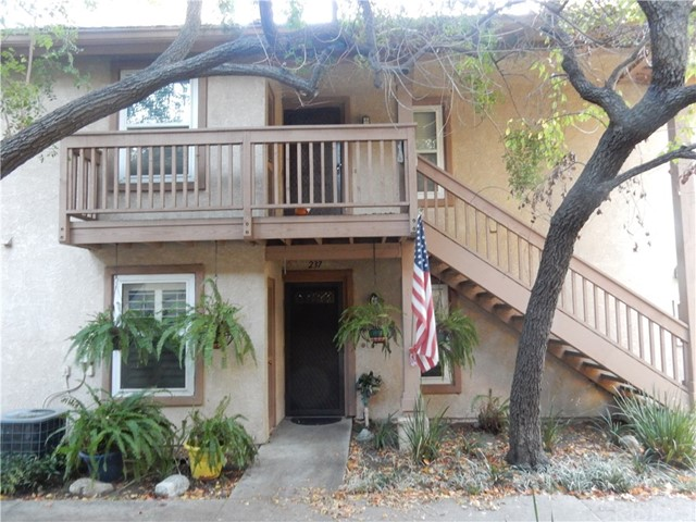 7060 Shoup Avenue 237, Canoga Park, CA 91303
