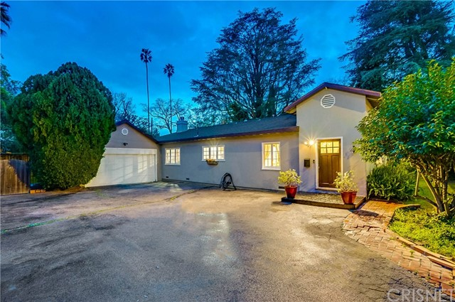 13232 Magnolia Boulevard, Sherman Oaks, CA 91423