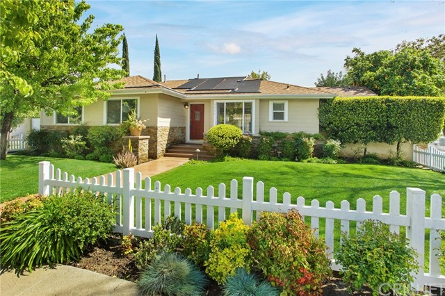 6424 Penfield Avenue, Woodland Hills, CA 91367