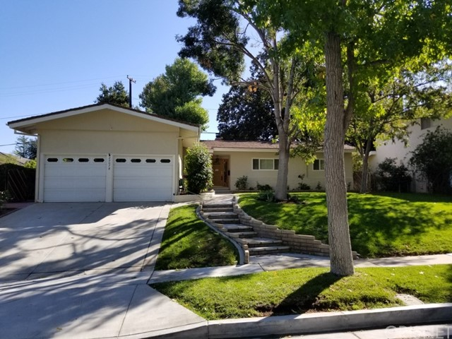 25078 Highspring Avenue, Newhall, CA 91321