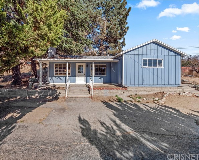 14825 Elizabeth Lake Road, Lake Elizabeth, CA 93532