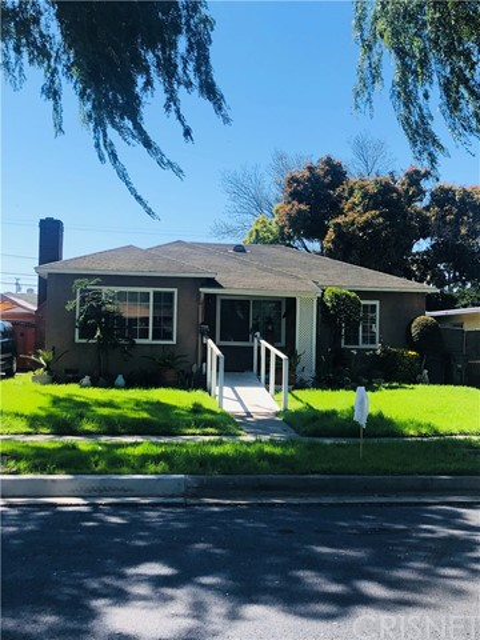 10779 Capistrano Avenue, Lynwood, CA 90262