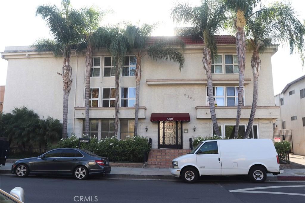 Photo of 5301 YARMOUTH Avenue #15, Encino, CA 91316