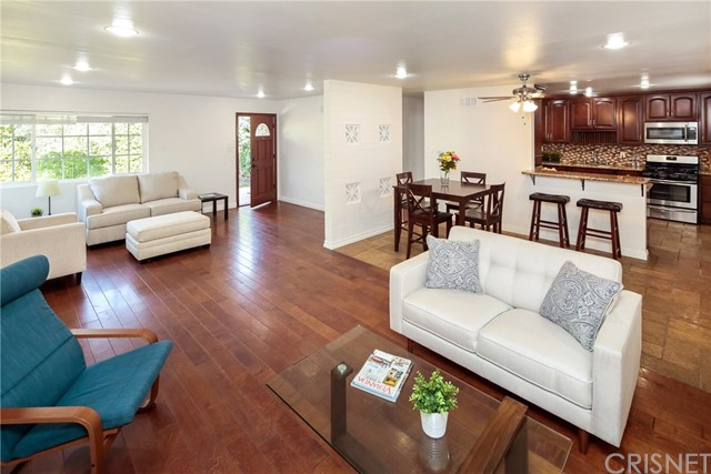 7044 White Oak Avenue, Lake Balboa, CA 91406