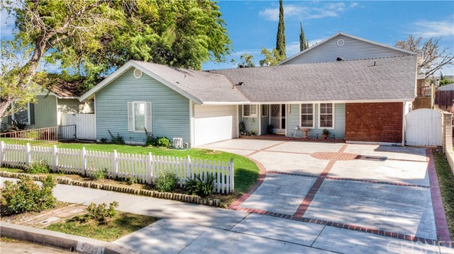 20420 Delight Street, Canyon Country, CA 91351