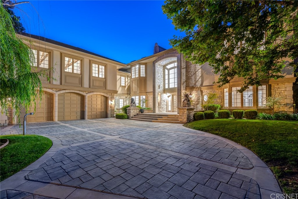 Photo of 20637 KINGSBORO Way, Woodland Hills, CA 91364