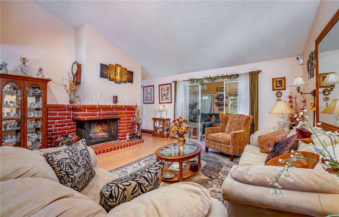 11411 Sunburst St, Lakeview Terrace, CA 91342 Photo 3