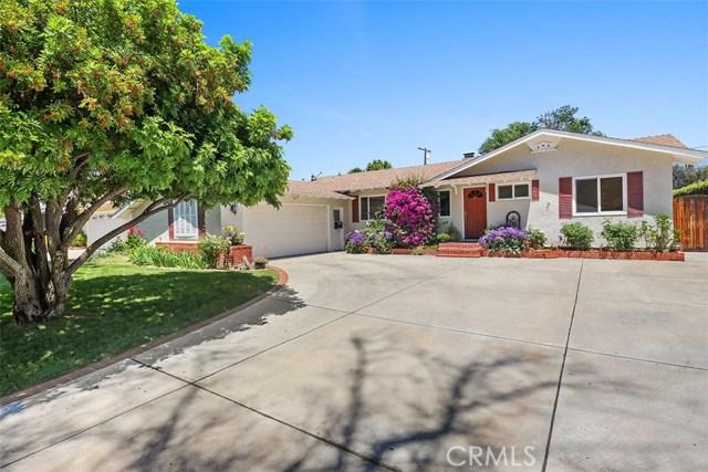 7922 Moorcroft Avenue, Canoga Park, CA 91304