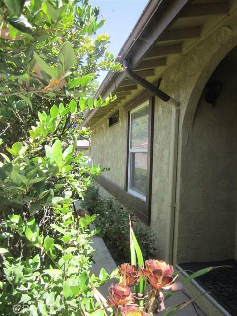 27556 Onyx Ln, Castaic, CA 91384 Photo 2