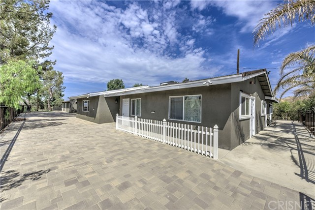 15541 Sierra Highway, Canyon Country, CA 91390
