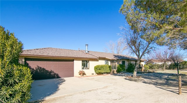 33401 165th Street E, Llano, CA 93544