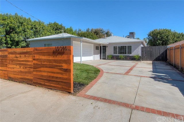 10346 Vassar Avenue, Chatsworth, CA 91311