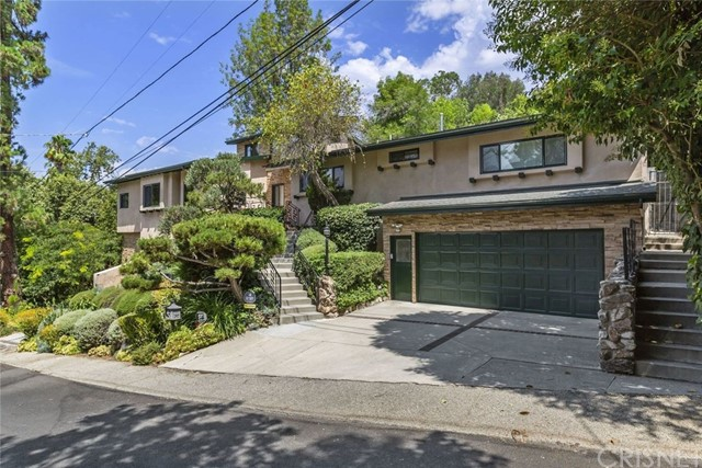 11821 Laurel Hills Road, Studio City, CA 91604