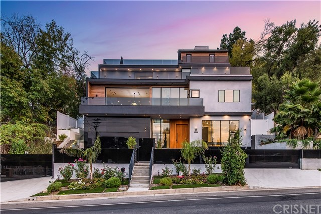 Photo of 14582 Valley Vista Boulevard, Sherman Oaks, CA 91403