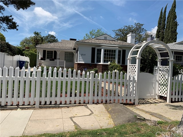 4935 Willowcrest Avenue, North Hollywood, CA 91601