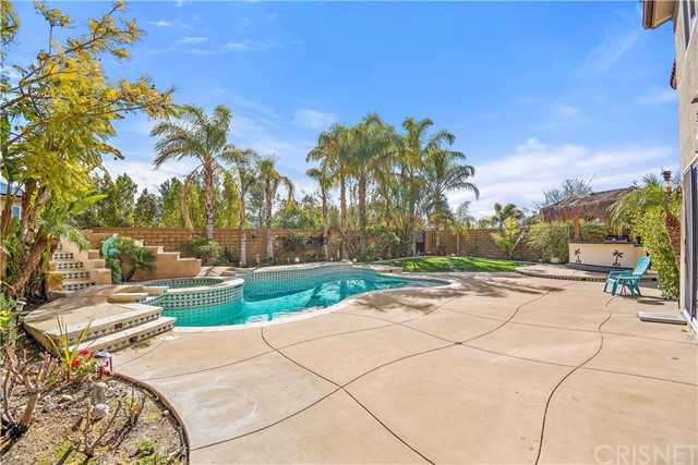 17274 Crest Heights, Canyon Country, CA 91387