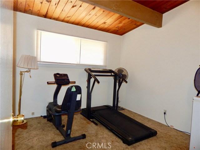 10027 Saloma Av, Mission Hills (San Fernando), CA 91345 Photo 7