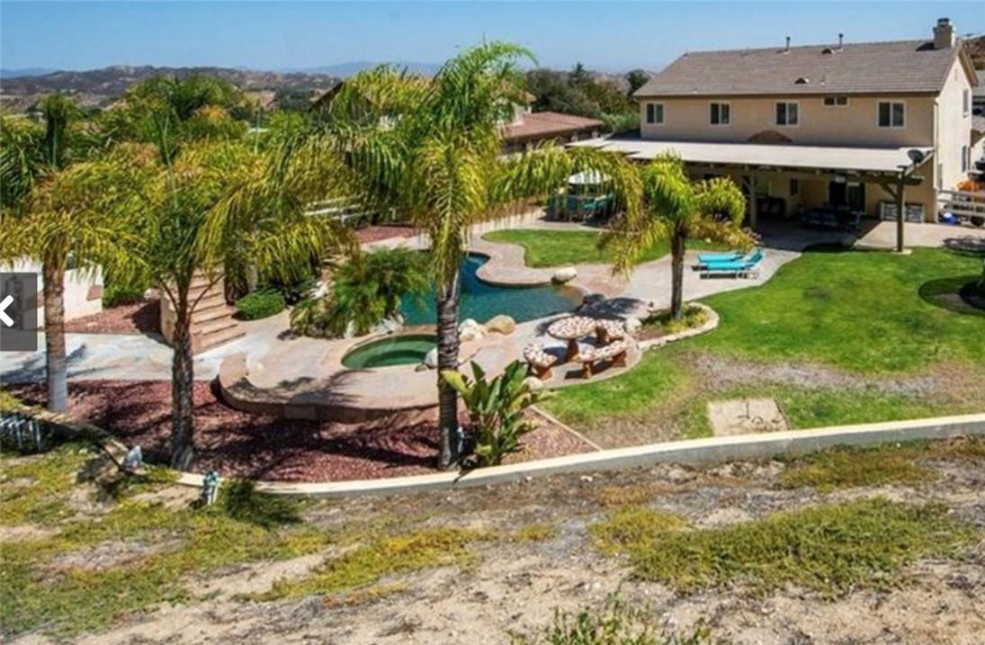 30015 Valley Glen St, Castaic, CA 91384 Photo 4