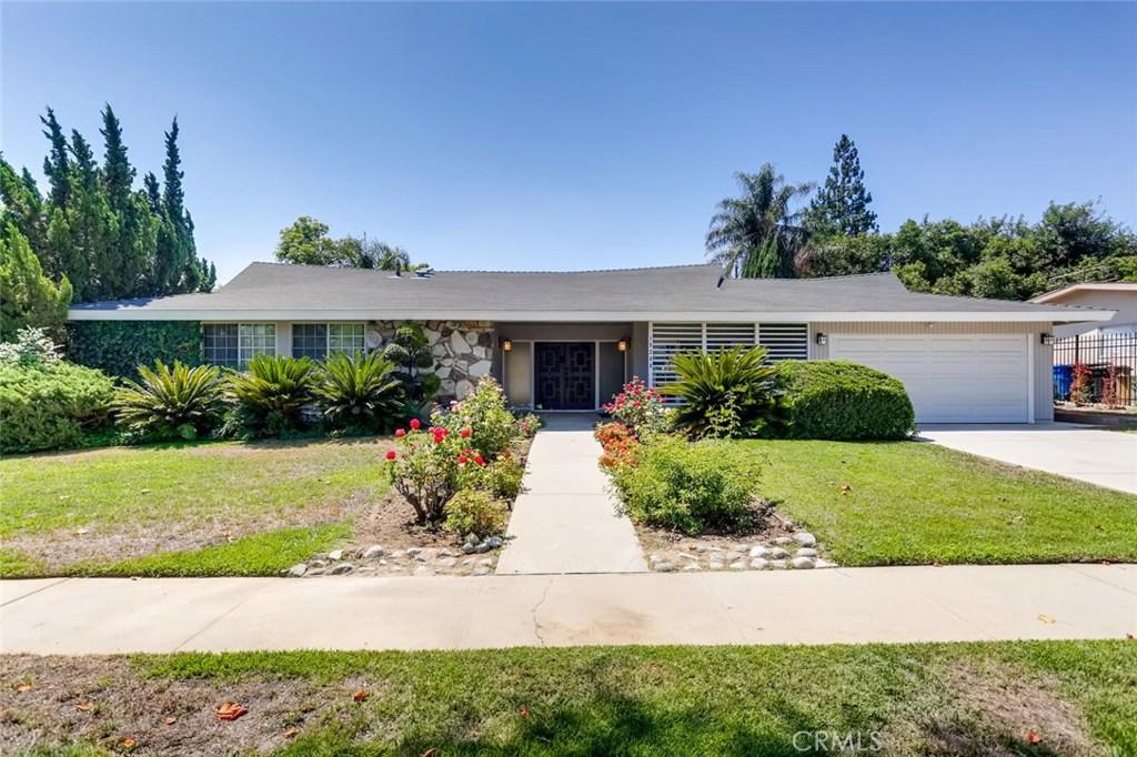 Photo of 19200 DEARBORN Street, Northridge, CA 91324