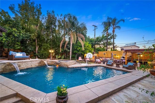 62. 5511 Fenwood Avenue Woodland Hills, CA 91367