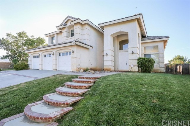 7357 Round Hill Drive, Lancaster, CA 93536