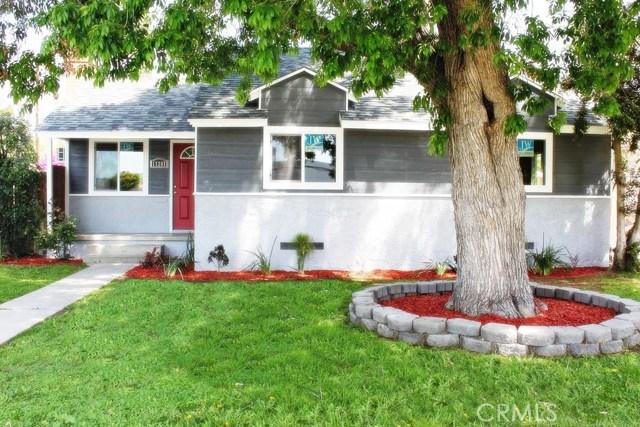 17207 Saticoy Street, Lake Balboa, CA 91406