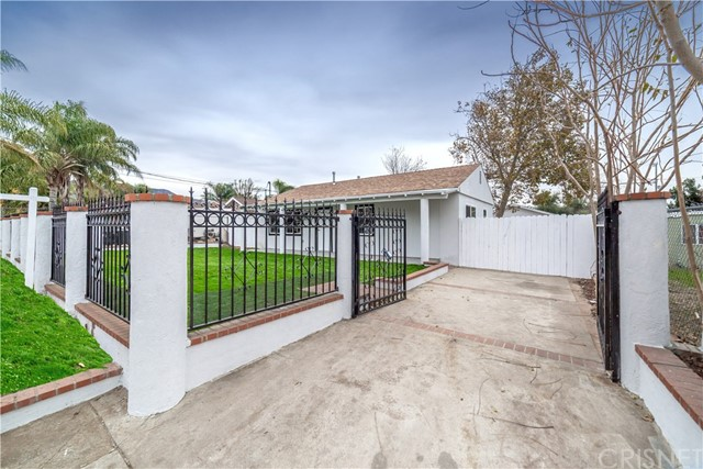 15370 Kadota Street, Sylmar, CA 91342