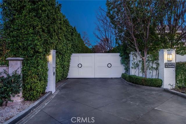 Photo of 4848 Encino Avenue, Encino, CA 91316