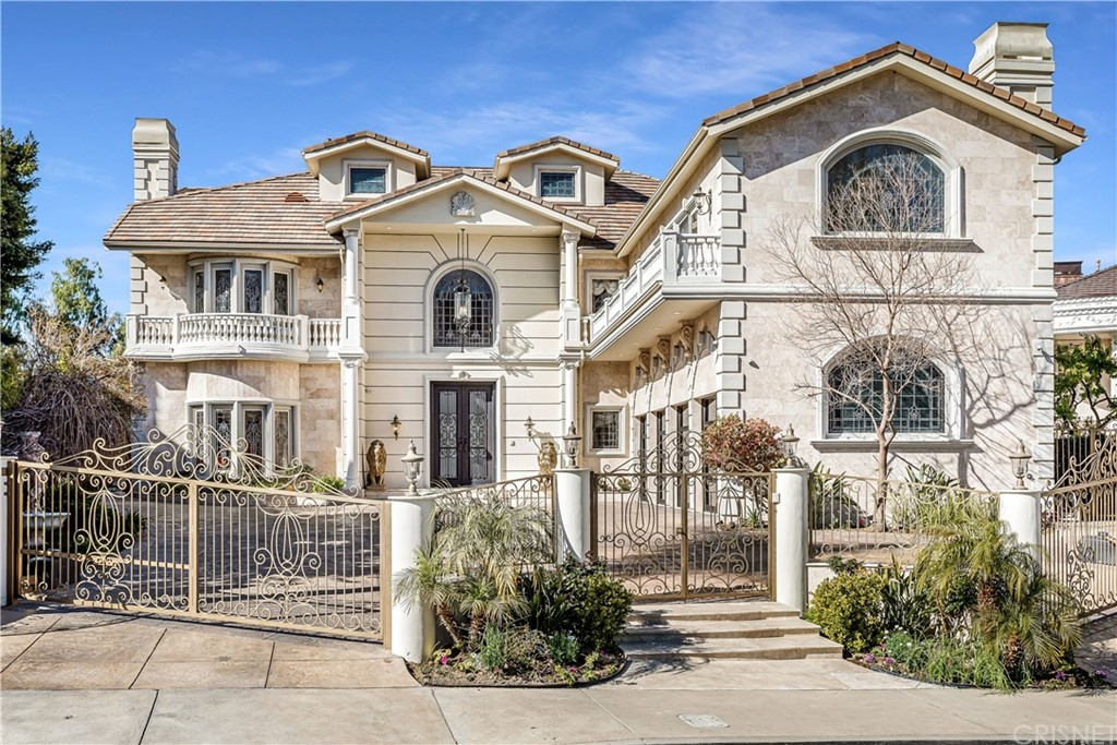 20549     Chatsboro Drive, Woodland Hills CA 91364