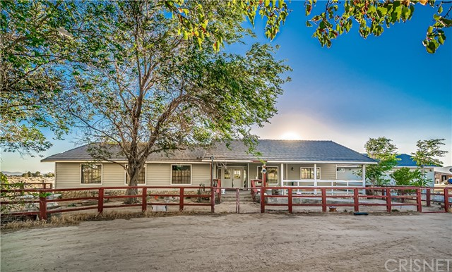 1401 60th Street W, Rosamond, CA 93560