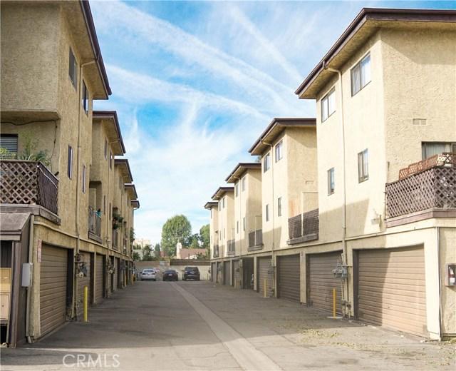 9131 Burnet Avenue 21, North Hills, CA 91343
