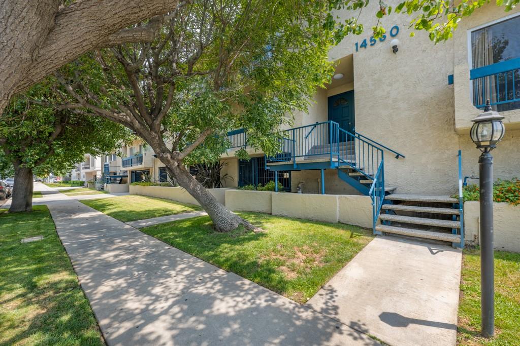 14560 Clark Street 102, Sherman Oaks, CA 91411