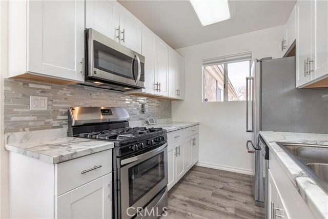 20214 Cohasset Street 17, Winnetka, CA 91306