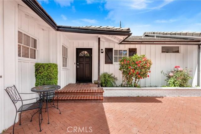16141 Dickens Street, Encino, CA 91436