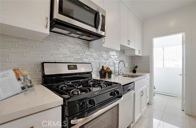 5918 Barton Avenue, Los Angeles, California 90038, ,Multi-Family,For Sale,Barton,SR21024051